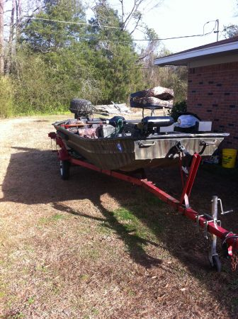 1648 Fisher Heavy Duty Boat( Rivited)