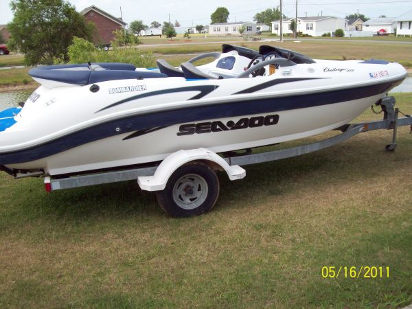 2001 Bombardier Challenger 2000 Jet Boat For Sale in Lafayette