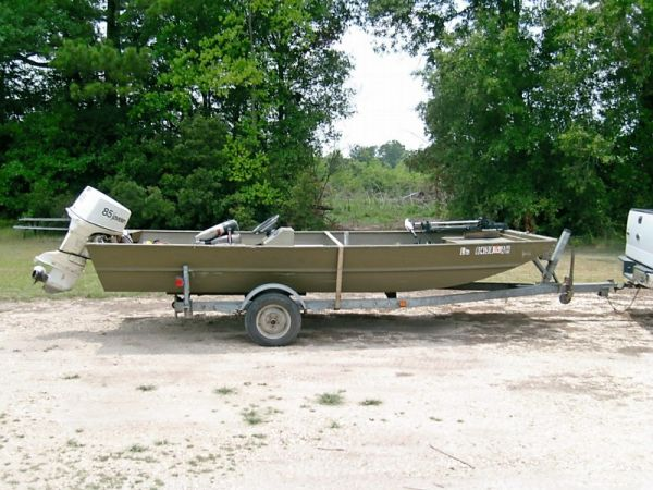 17 ft flat bottom boat, motor, & trailer for sale - Louisiana