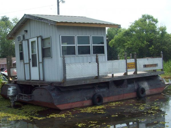 1997 Pontoon cabin barge House Boat For Sale in Southeast