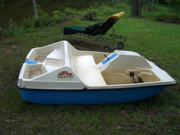 For Sale: AquaToy 5-Person Paddle Boat - Louisiana Sportsman