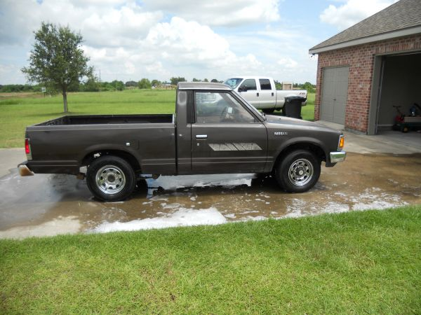 1986 Nissan Hardbody AUTOMATIC Pickup Truck For Sale in