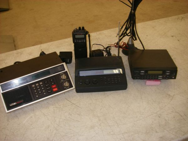 Radio Shack pro 2017 & pro-2046 scanner & antenna Fo - Louisiana