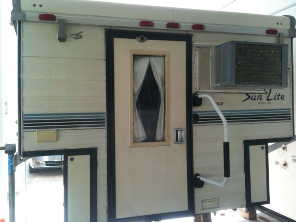 1993 Sun Lite Eagle Truck Camper For Sale in Lafayette - Louisiana