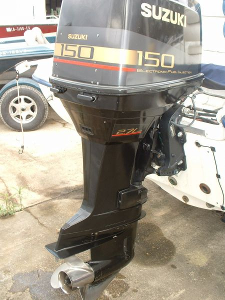 2002 Suzuki 150 HP 2 Cycle 25' Outboard Motor Outboard