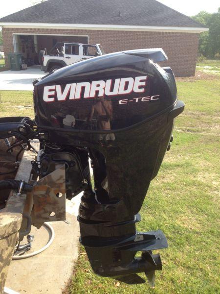 2011 Evinrude E-tec 25 Outboard Motors For Sale in Outside