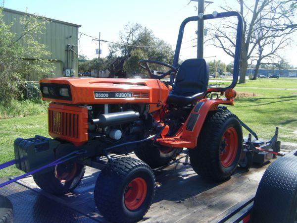 Kubota B-5200 tractor w/ finishing mower - Louisiana