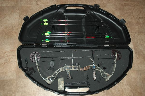 2009 Diamond Stud by Bowtech Bows For Sale in Alexandria