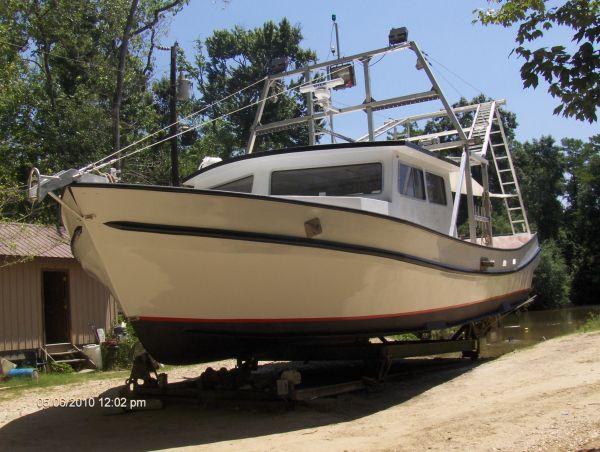 Fiberglass shrimp boat for sale in louisiana