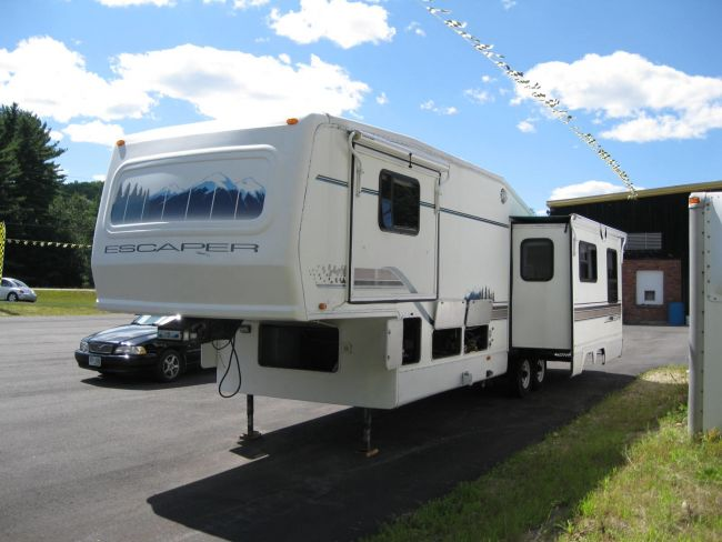 1996 Damon Escaper 33 RKB Fifth Wheel For Sale in Baton Rouge