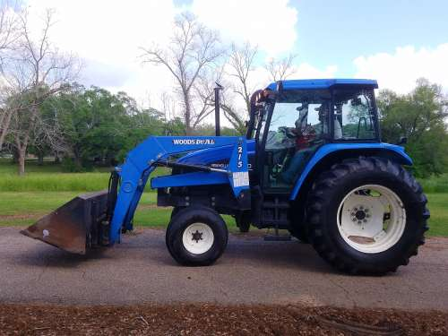1999 TRACTOR NEW HOLLAND TS110 Farm Tractor For Sale in Louisiana