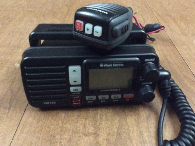 New West Marine VHF580 DSC VHF Radio And Antenna And Cable