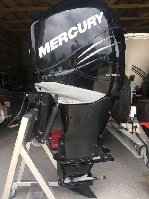 2010 Mercury 300 Verado Outboard Motor 25