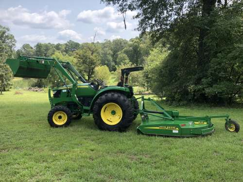 2015 John Deere 4044m with MX6 rotary cutter Farm Tractor