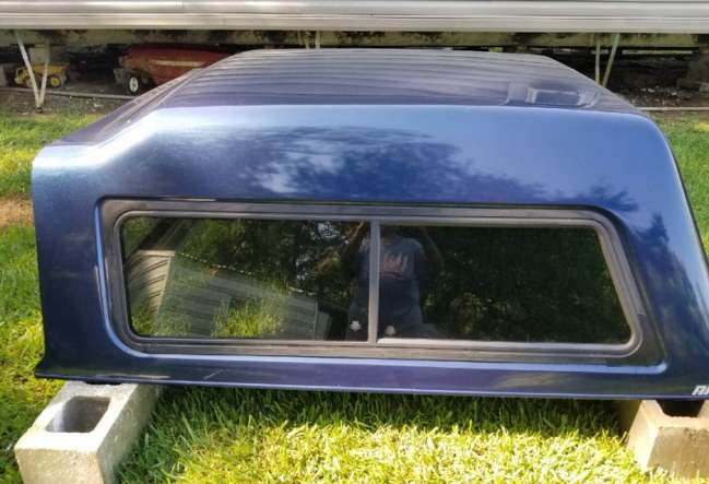 2013 A R E Camper shell (dark blue) Auto Parts For Sale in Louisiana