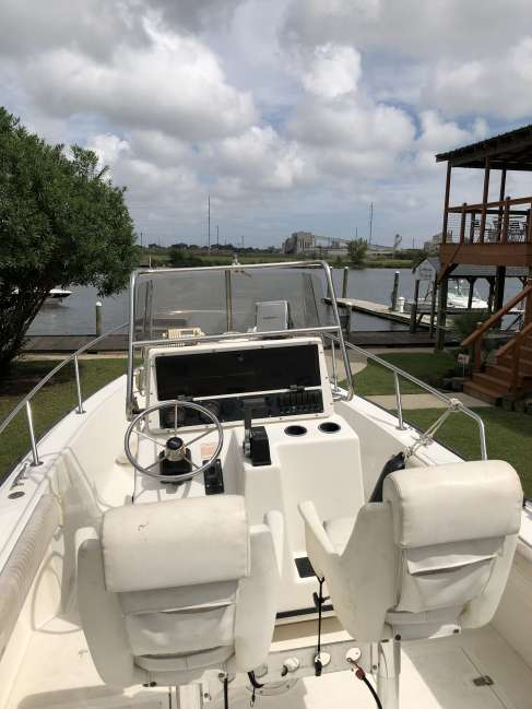 2001 Boston Whaler 20 Outrage Center Console For Sale in Louisiana